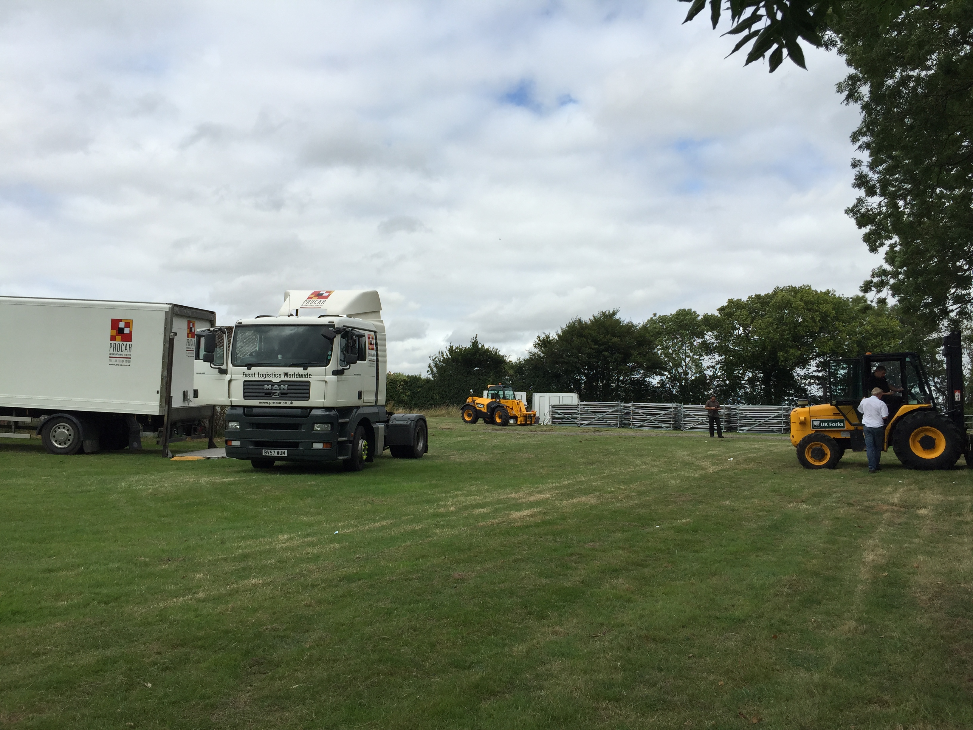 Snoozebox Snoozy delivery to Silverstone for MotoGP 2015